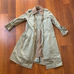 100% Authentic Burberry Trench